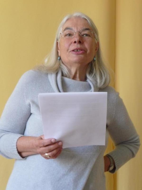 Wegmarke: Barbara Feser, frühe Mitarbeiterin des Frauentherapie Zentrums und ehem. Hausverwalterin des Treibhaus. Bild: Claudia Mayr